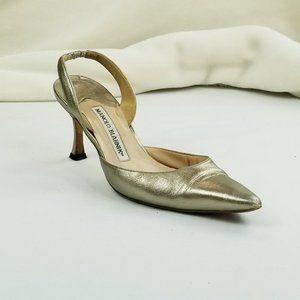 Manolo Blahnik Size 36 (US 6-6.5) Gold Sling Back